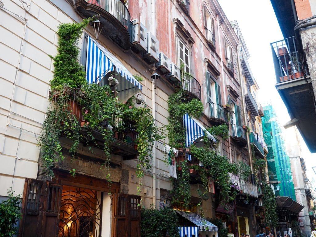 Les rues luxueuses à Naples