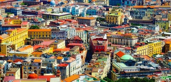 Découvrir Naples en voyageant seul