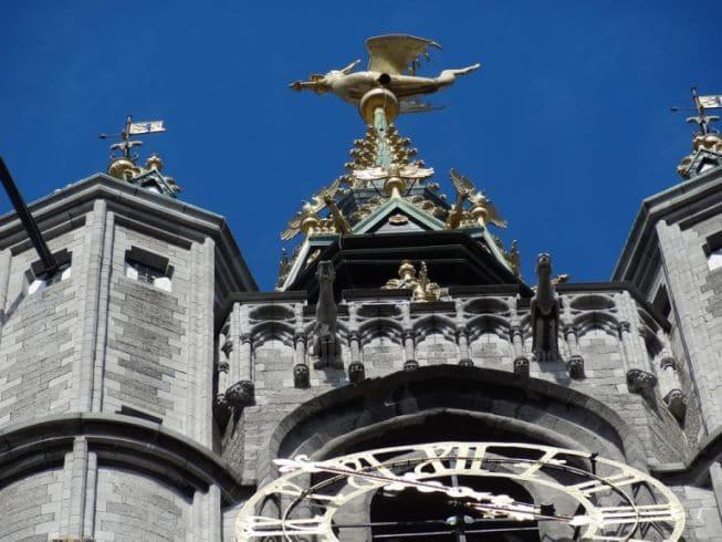 Le beffroi et le dragon à Gent