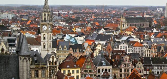 Voyager seul en Belgique
