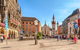 Visiter Marienplatz