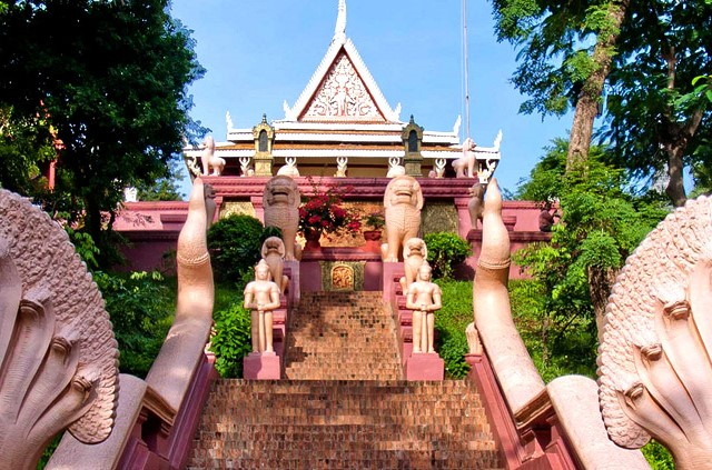 Temple Wat Phnom