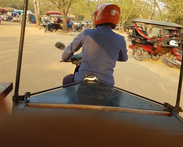 Alla mon tuk-tuk à Angkor