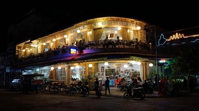 La vie nocturne à Battambang: